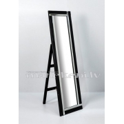 Spogulis apģērbu veikalam ar melnu lakotu rāmi un spoguļstikla elementiem