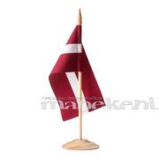 Latvijas karodziņš 12 x 24 cm, ar koka kātu un pamatni, galda karodziņš